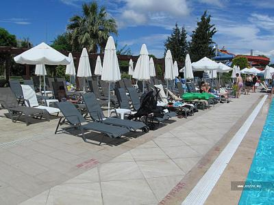 Зона бассейна (Palm Wings Beach Resort)