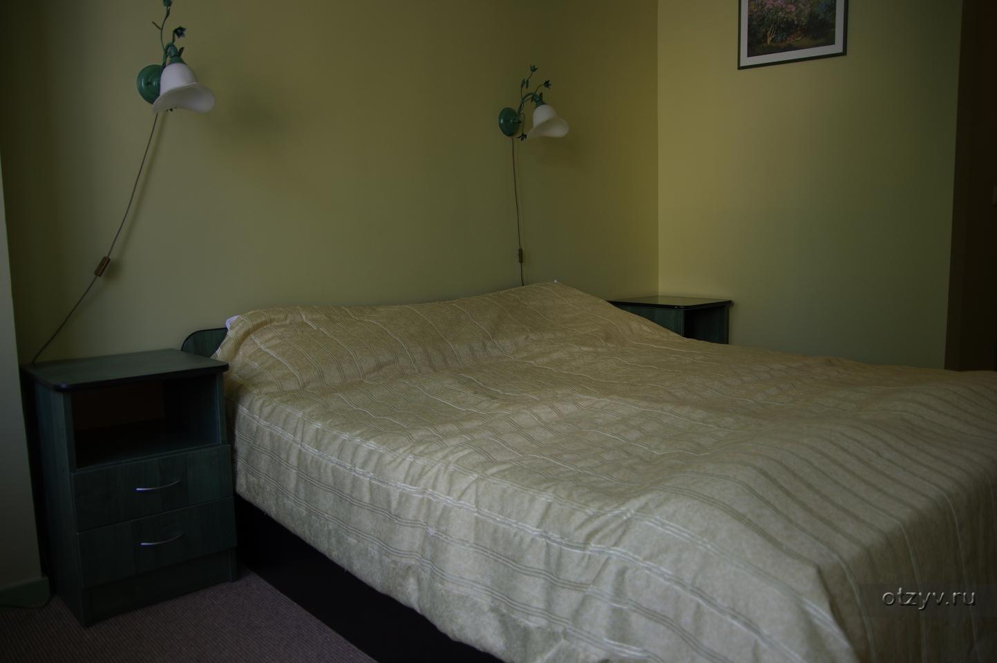 стулья подушки кровать телевизор 4 фото 1 слово
