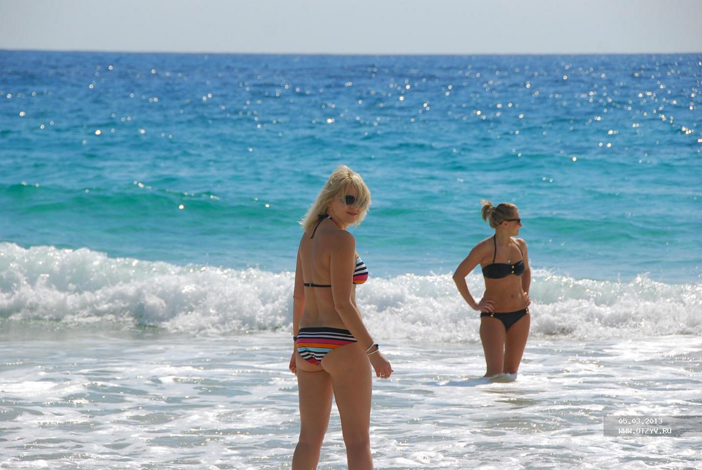 Чем заняться блондинке на пляже 6 фотография