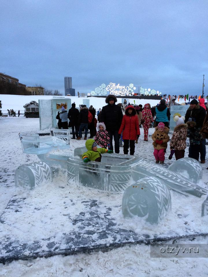 Выставка ледяных скульптур на поклонной горе
