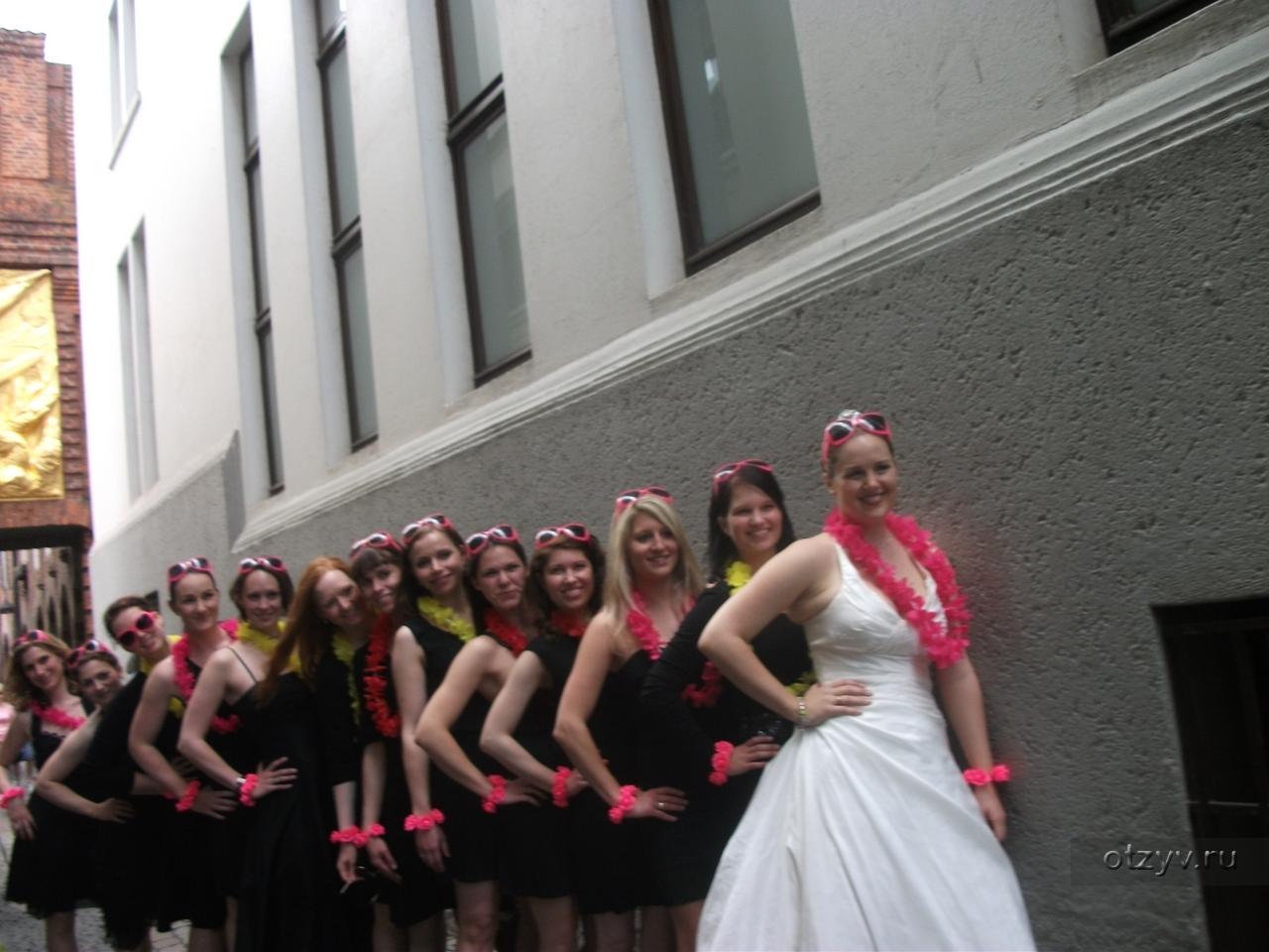 Фото засых девушек писающих 7 фотография