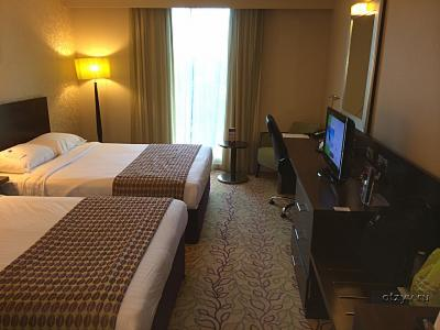 Гатвик (аэропорт), Courtyard London Gatwick Airport 4*