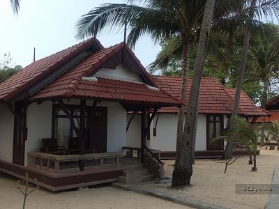 First Bungalow (First Bungalow Beach Resort)