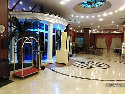 Adonis hotel (Grand Hotel Adonis)