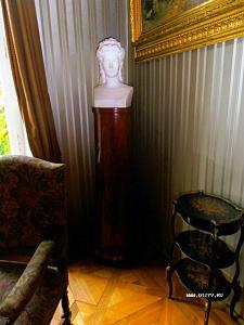 Селфи большого бюста в душевой комнате