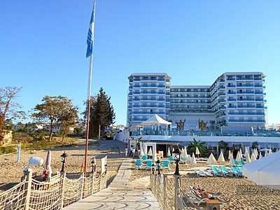 Азура Делюкс (Azura Deluxe Resort & Spa)