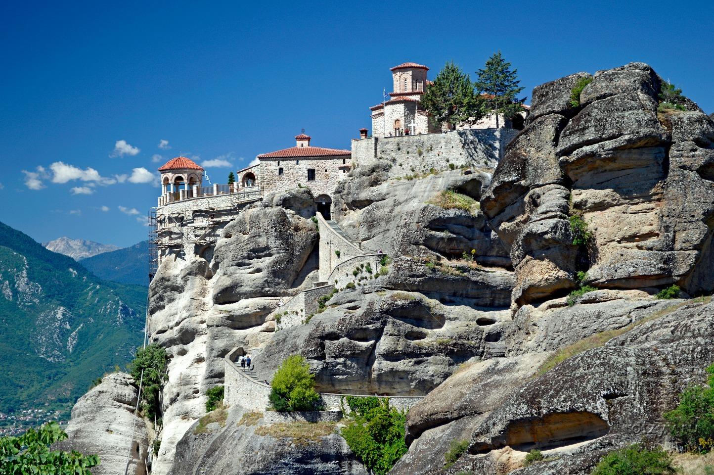 парящие монастыри метеоры в греции фото одна неприятностей, подстерегающих