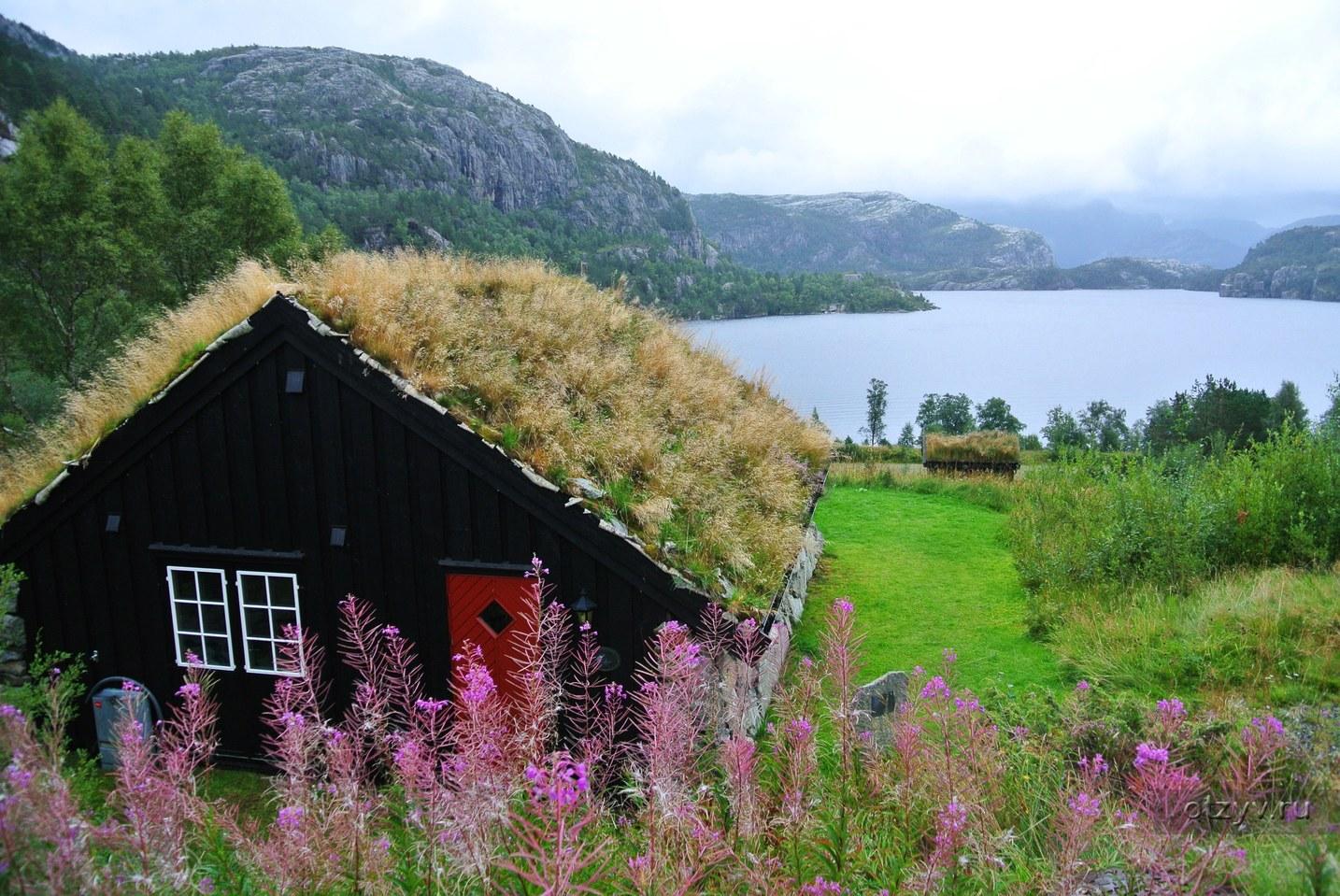 Несмотря на это, лето может быть сырым и переменчивым, особенно в западной, центральной и северной норвегии.