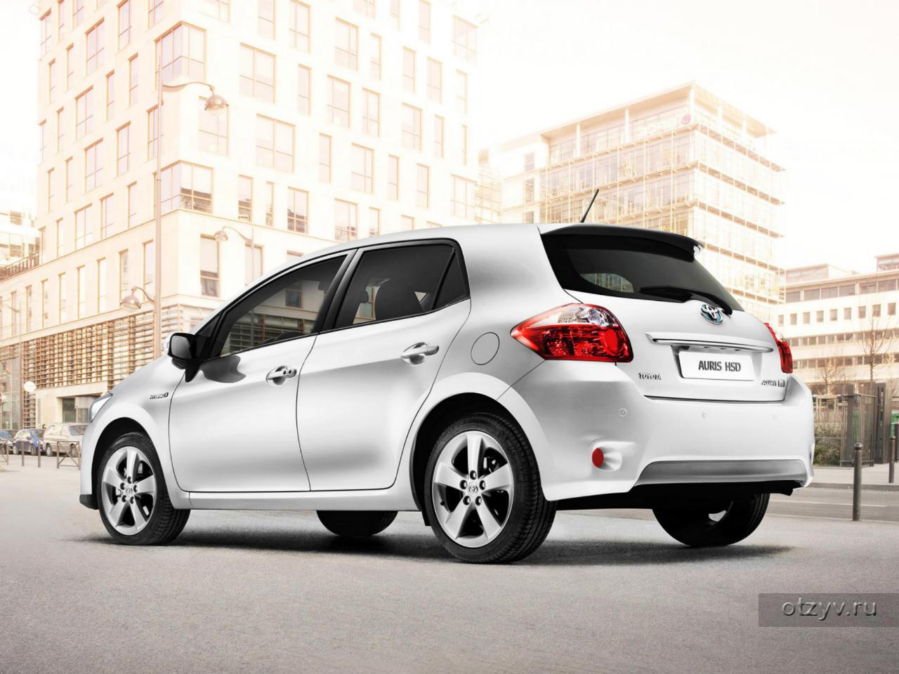 FREE Hybrid: Toyota Auris Hybrid | Toyota