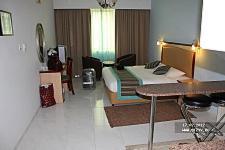 Flora Hotel Apartments ����