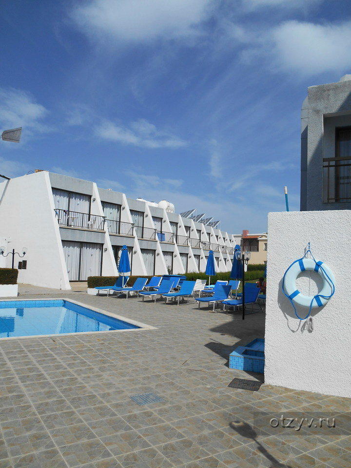 Pinelopi Beach Hotel Apts