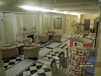 Queen´s Court Hotel & Residence фото