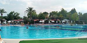 Queen's Park Le Jardin Resort